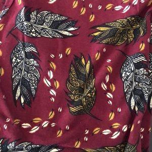 NWOT Henna Feathers Lularoe OS leggings